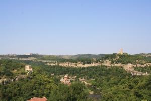 4ème jour: bus pour Veliko Tarnovo et découverte de la ville sous la lumière du soir. Il fait bon vivre dans ces montagnes.